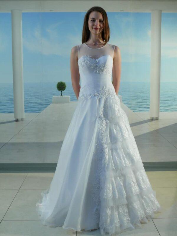 Zárt, organza és csipke, A-vonalú esküvői ruha