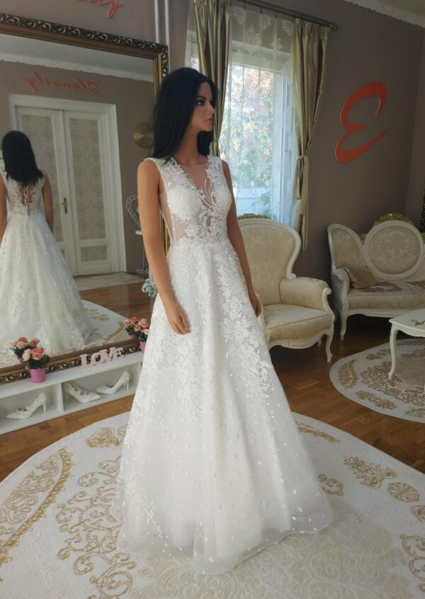 Tört fehér, vállpántos menyasszonyi ruha 1