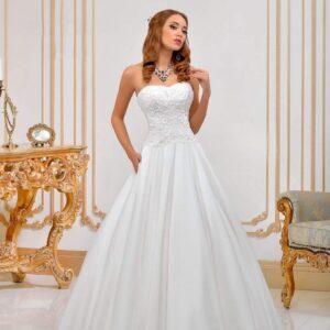 A-vonalú, düsszes, karcsúsított esküvői ruha
