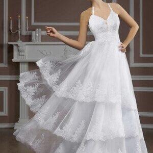 Csipke díszítésű, esküvői ruha