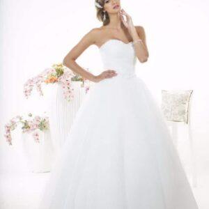 A-vonalú, karcsúsított esküvői ruha