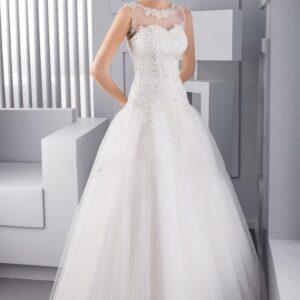 Karcsúsított, zárt tüll és csipke esküvői ruha
