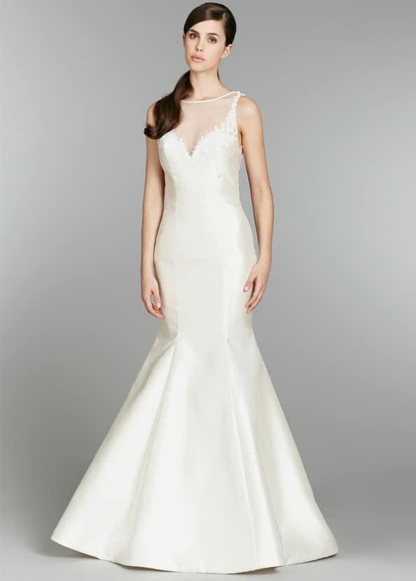 Zárt, sellő fazonú szatén esküvői ruha