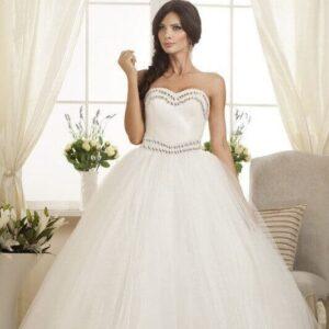 Kristályos, tüllös, báli fazonú tüll esküvői ruha