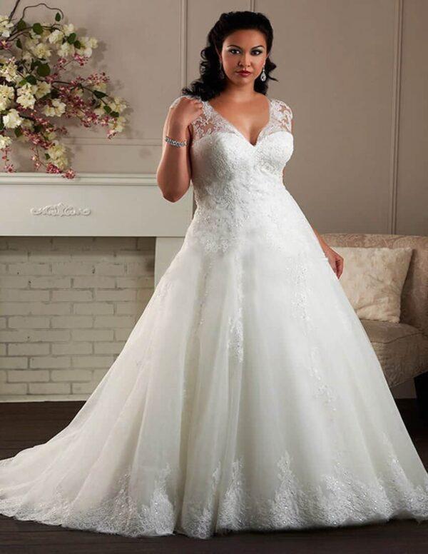 Plus size, csipke esküvői ruha
