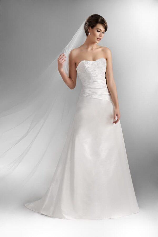 Szatén, raffolt, karcsúsított A-vonalú esküvői ruha