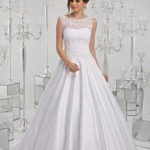 Zárt nyakú, karcsúsított esküvői ruha