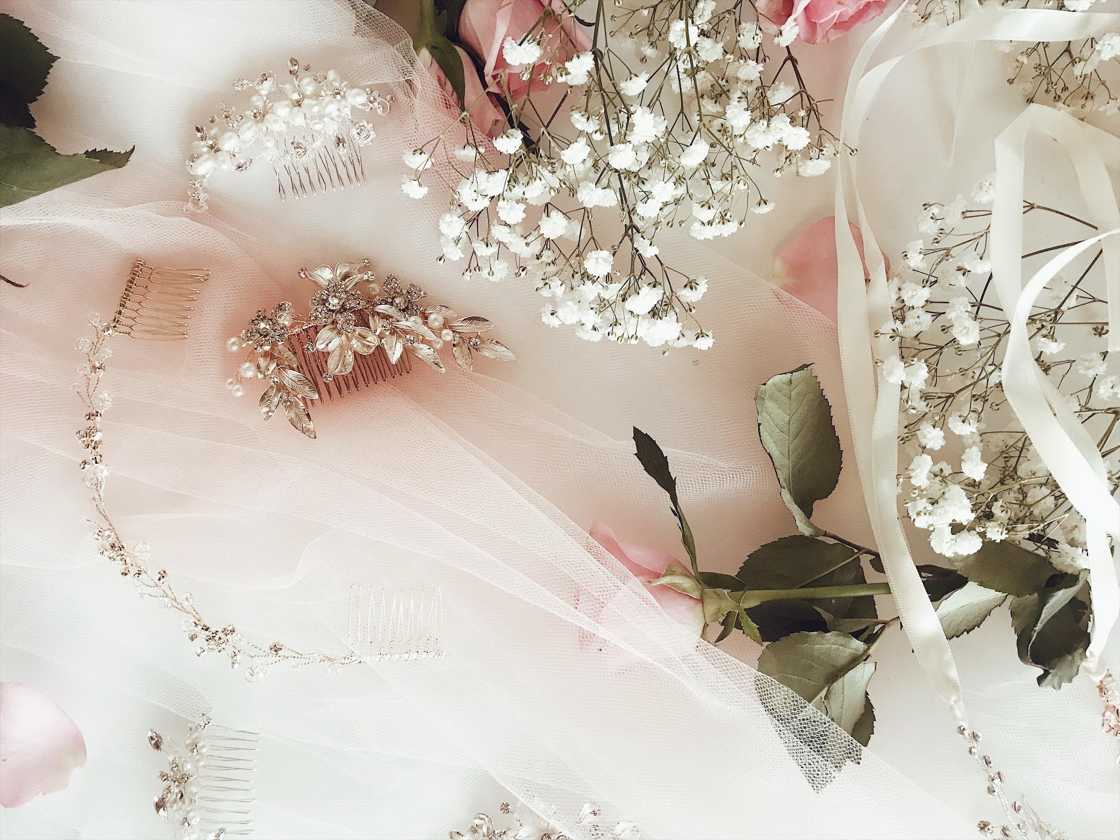 Esküvői, menyasszonyi kiegészítők