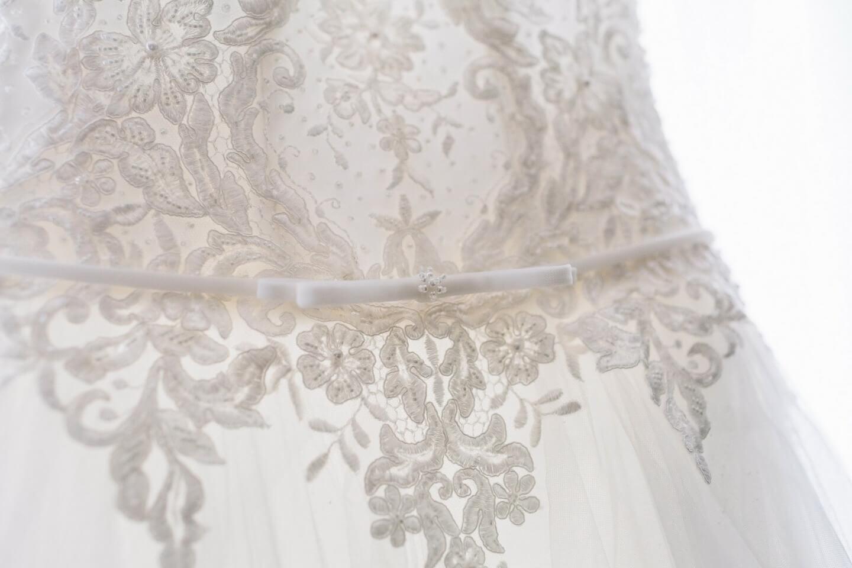 Csipke esküvői, menyasszonyi ruha