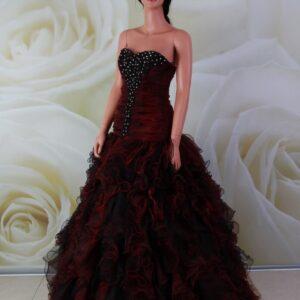 Bordó fodros alkalmi ruha fekete díszítéssel és kristályokkal