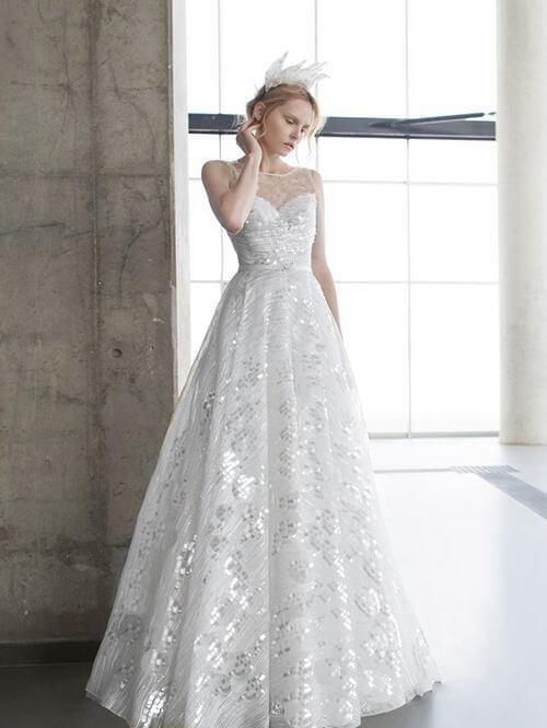 Csillogó, A-vonalú esküvői ruha