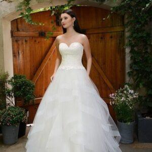 Vízhullámos, csipke felsős tüll menyasszonyi ruha