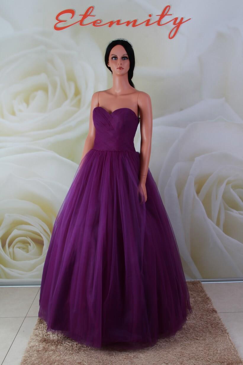 a3fca9ff99 Lila színű, báli fazonú alkalmi ruha