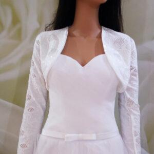 Tört fehér, csipke mintázatú hosszú ujjas menyasszonyi bolero