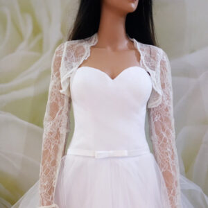 Tört fehér, hosszú ujjas menyasszonyi boleró