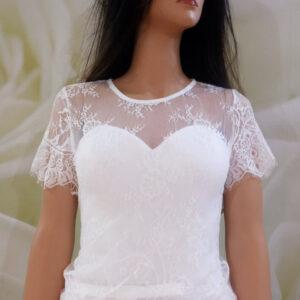 Fehér, rövid ujjas csipke menyasszonyi boleró
