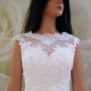Fehér, hátul gombos elöl zárt csipke menyasszonyi boleró