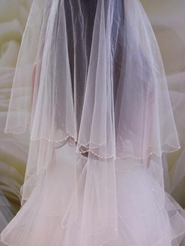 Kristályos fehér menyasszonyi fátyol