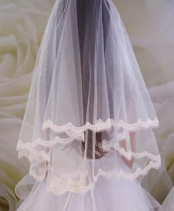 Tört fehér csipke szélű menyasszonyi fátyol