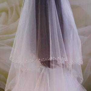 Gyöngyös fehér menyasszonyi fátyol