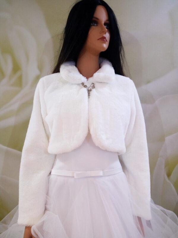 Fehér hosszú ujjas menyasszonyi prém kabát
