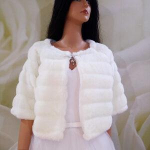 Tört fehér háromnegyedes ujjú menyasszonyi prém kabát