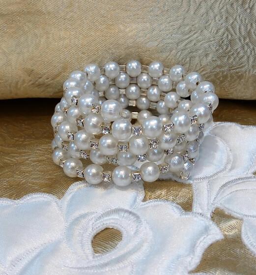 Gyöngyös menyasszonyi karkötő