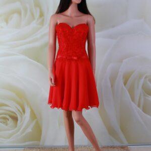 Piros, csipke és chiffon alkalmi ruha, menyecske ruha gyöngy díszítéssel