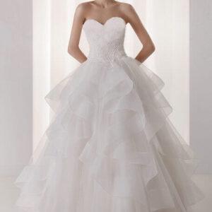 Vízhullámos esküvői ruha