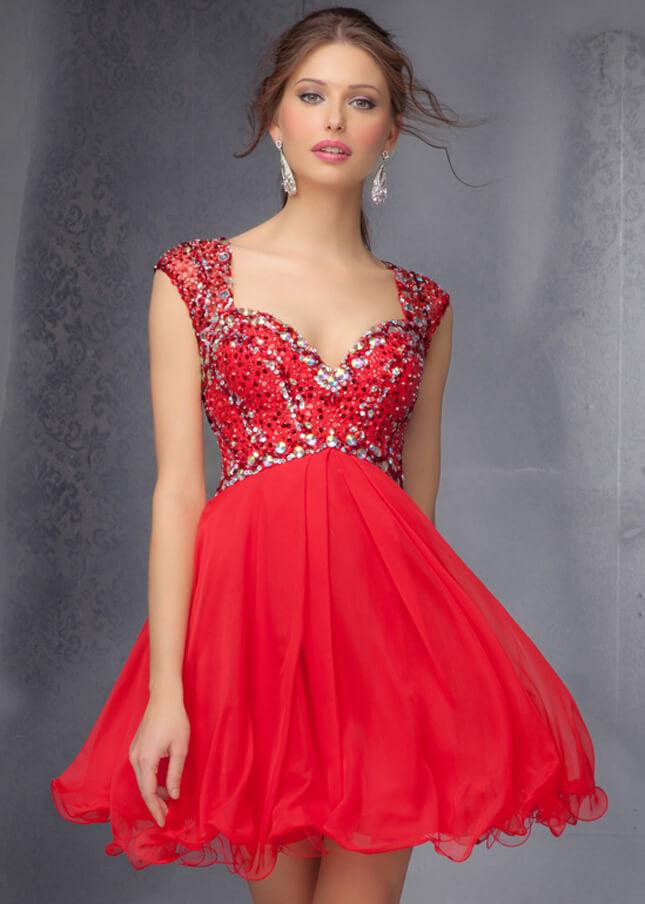 Piros, hosszú-rövid menyecske ruha