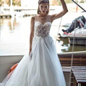 Illuzió tüllös virágos menyasszonyi ruha af9d9943f0