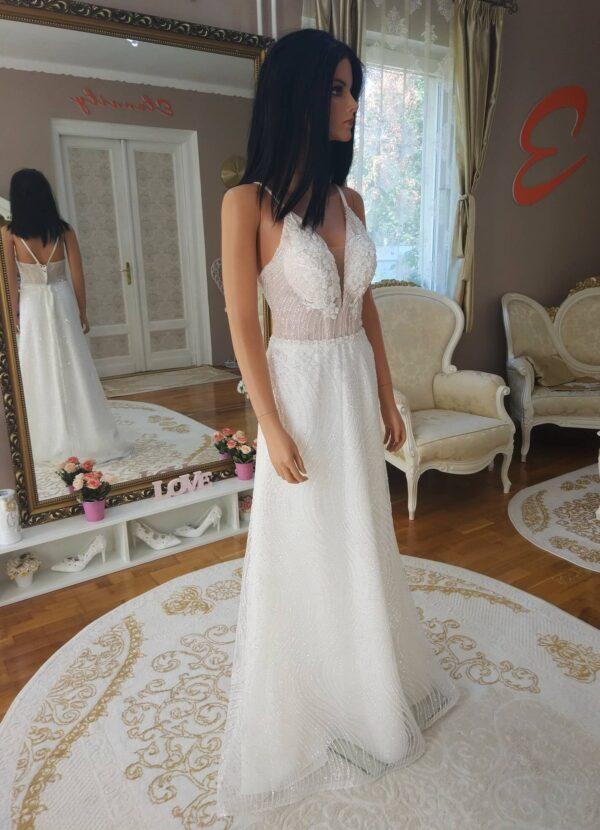 Karcsúsított, csillogó menyasszonyi ruha 1