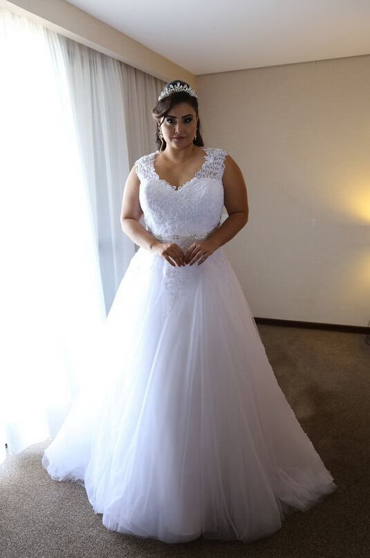 a4d248b1bf Molett fehér csipke vállpántos tüll menyasszonyi ruha