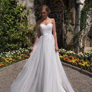 3d virágos egyenes tüll menyasszonyi ruha 1