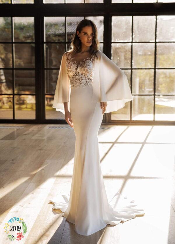 Fehér, vállpántos chiffon menyasszonyi ruha