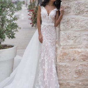 Egyenes púder csipke menyasszonyi ruha