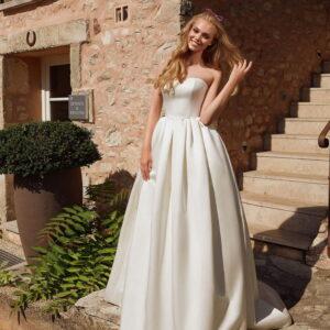 Ekrü szatén menyasszonyi ruha 1