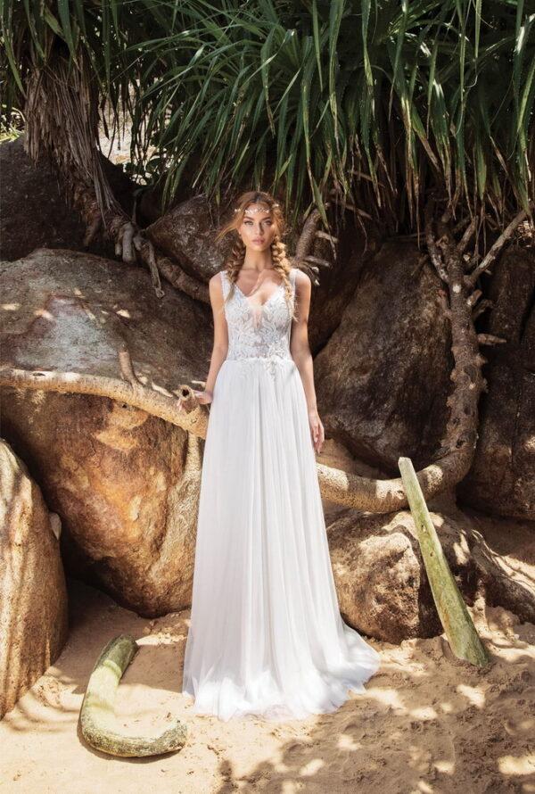 Fehér lágyesésű áttetsző tüll menyasszonyi ruha 1
