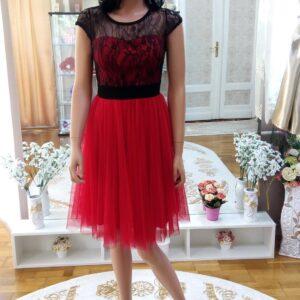 Fekete csipke felsős piros menyecske ruha 1