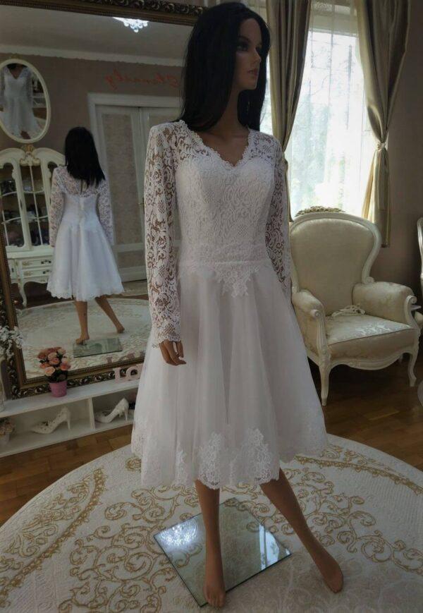 Hosszú csipke ujjas, rövid menyasszonyi ruha 1