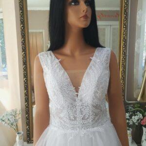 Lágy esésű tüll menyasszonyi ruha 1