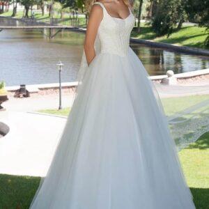 Csillámos, gyöngyös tüll menyasszonyi ruha 1