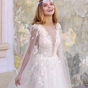 Vállpántos tört fehér tüll menyasszonyi ruha 1
