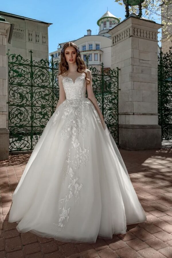 Tört fehér, A-vonalú menyasszonyi ruha