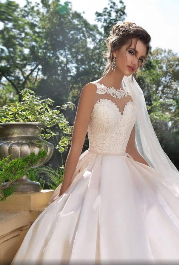 Tört fehér düsszesz menyasszonyi ruha 1