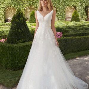 Tört fehér zárt A.vonalú menyasszonyi ruha