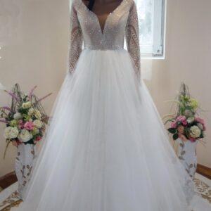 Hosszú ujjas csillámló, karamell menyasszonyi ruha 1