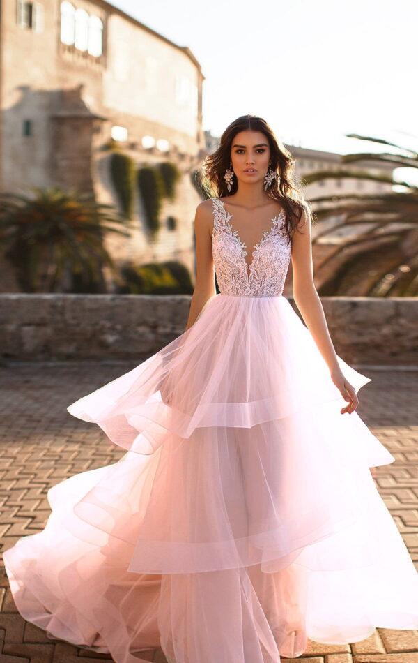 Púder színű, csipke vállpántos tüll menyasszonyi ruha 1