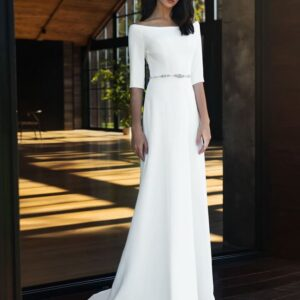 Selyem szatén, fehér zárt, karcsúsított menyasszonyi ruha 1