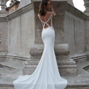 Selyem szatén, karcsúsított menyasszonyi ruha 1